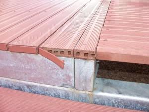 Die Unterkonstruktion für die Holzterrasse