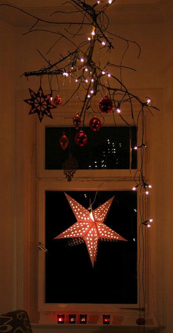 Weihnachtsdeko f r fenster gartenweb - Gardinenvorschlage fur kleine fenster ...